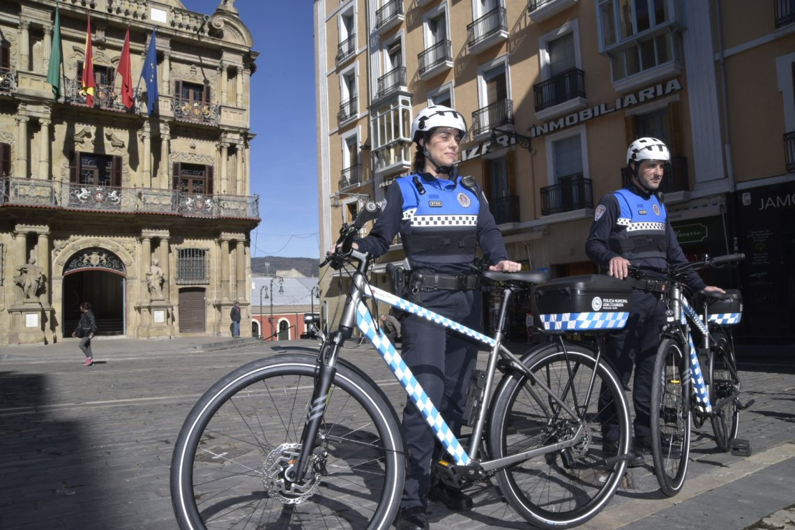 19.03.01_equipo_bicicleta_policia_municipal_2.jpg.jpg
